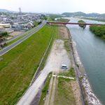 河川の堤防が決壊する